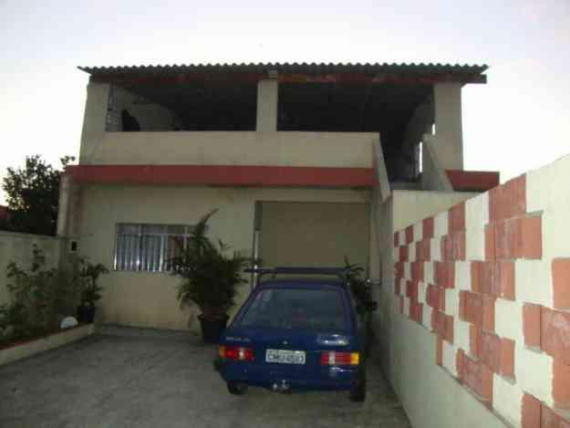 casa ampla com porão e cobertura