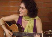 Aula de canto e violão no maracanã