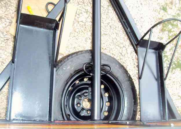 Fabrica de Carretinhas em BH. Carretinha fazendinha com adaptação para motos.