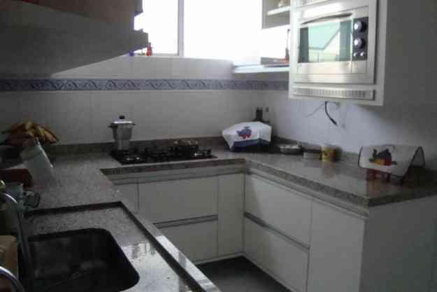 Troco  excelente Apartamento por casa na região Itaigara, Pituba, Piatã