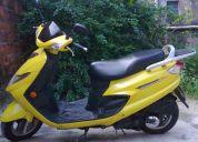 Super conservada ano 2008/09 moto de mulher e de garagem apenas 18000 km rodados.