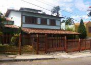 Excelente casa 4 suites piscina sauna churrasqueira 450m²