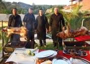 Buffet de  churrasco Á gaÚcha com porco no rolete