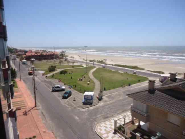 Apartamento 3 dormitórios, beira mar de Capão da Canoa condominio com piscina e infra