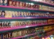 Perfumaria / loja de cosméticos com salão de beleza em avenida